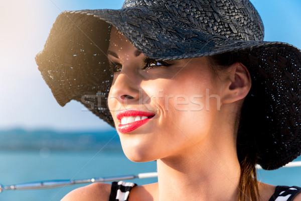 Femme chapeau été femme souriante fille Photo stock © gabor_galovtsik