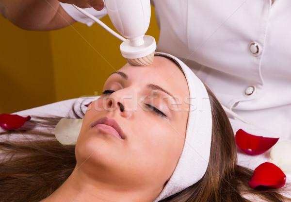 Kaukázusi nő stimuláló kezelés egészség szépség Stock fotó © gabor_galovtsik