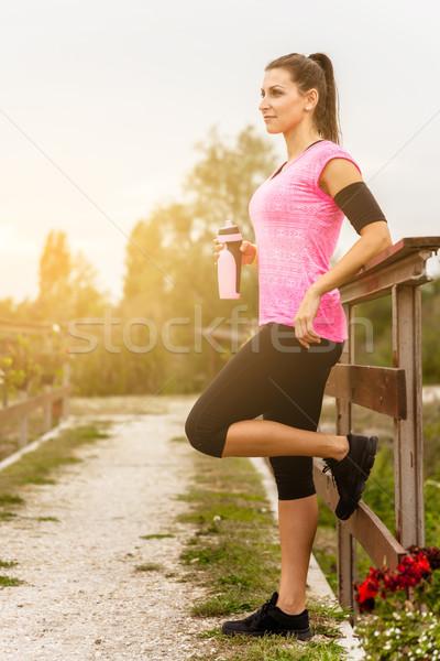 Runner женщину работает воды Сток-фото © gabor_galovtsik