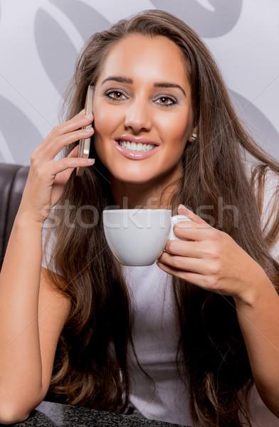 Café téléphone belle femme parler Photo stock © gabor_galovtsik