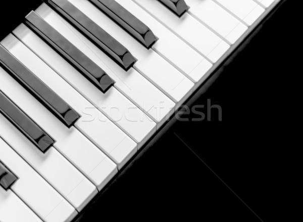 Noir piano clavier clé sonores jouer Photo stock © gabor_galovtsik