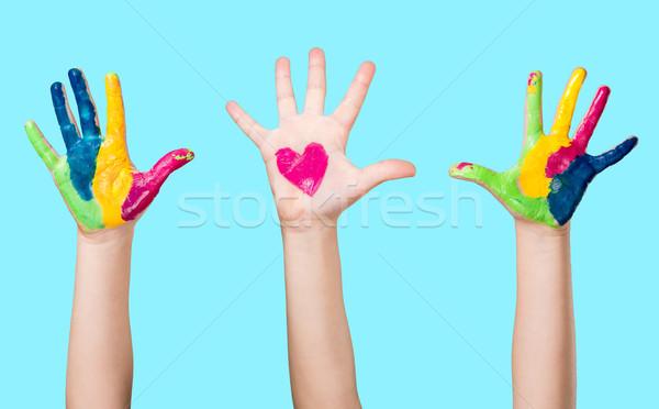 Saint valentin coeur mains cute petite fille Photo stock © gabor_galovtsik