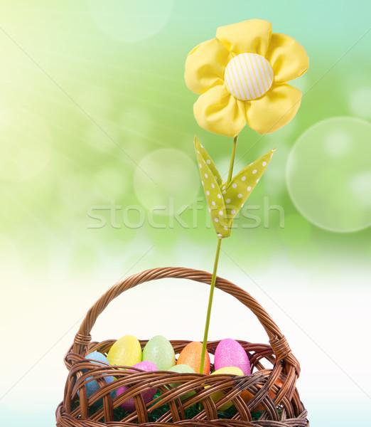 Pâques coloré œufs de Pâques artificielle fleur panier Photo stock © gabor_galovtsik