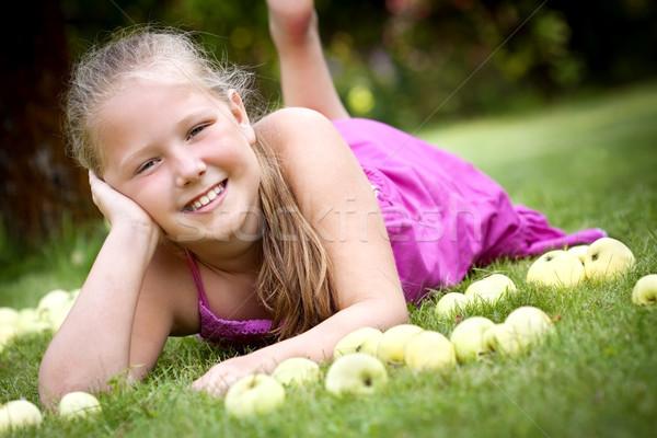かわいい 若い女の子 庭園 いい スタック 緑 ストックフォト © Gbuglok