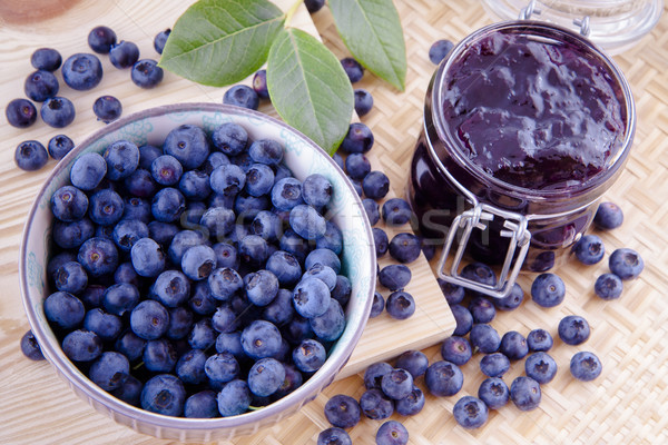 Confiture bleuets fruits myrtille table de cuisine alimentaire Photo stock © Gbuglok