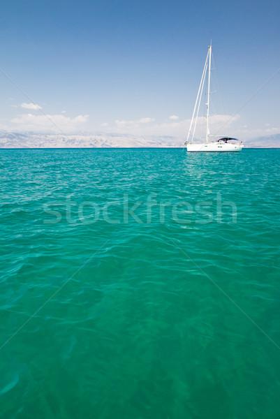 Blanche bateau calme mer horizon marin Photo stock © Gbuglok