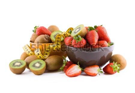 Fraises kiwi fruits bol blanche fruits Photo stock © Gbuglok