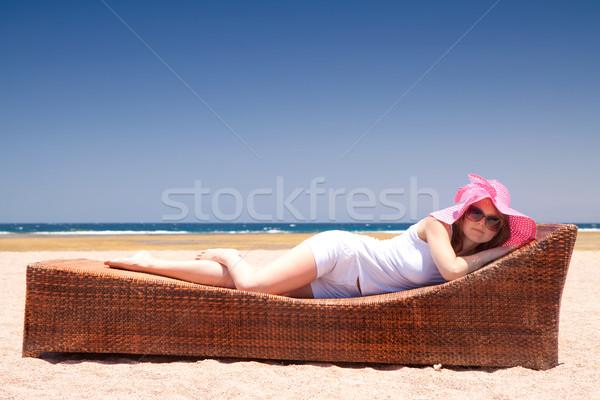 Vrouw mooie vrouw hoed strand meisje zon Stockfoto © Gbuglok