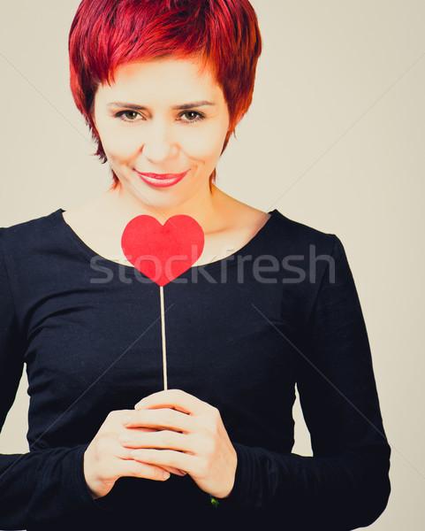 Menina papel coração jovem mulher vermelho Foto stock © GekaSkr
