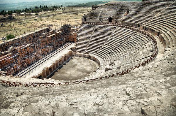 Roman amfiteatr teatr ruiny starożytnych miasta Zdjęcia stock © GekaSkr