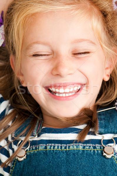 Cara sorridente menina bonitinho cabelo Foto stock © GekaSkr