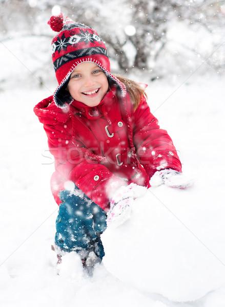 Little girl boneco de neve menina fora inverno tempo Foto stock © GekaSkr