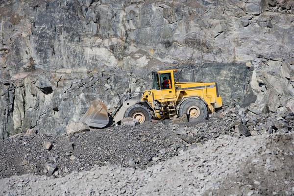 トラック 業界 金 鉄 マイニング 鉱山 ストックフォト © gemenacom