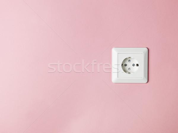 Elektromos kapcsolat rózsaszín ház kábel energia Stock fotó © gemenacom