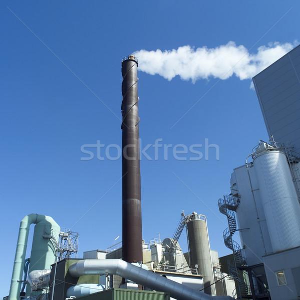 Komin Błękitne niebo dymu niebieski architektury nieba Zdjęcia stock © gemenacom