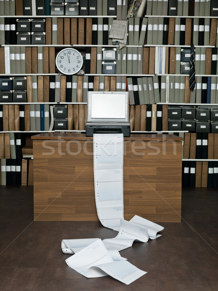 論文 オフィス クロック 表 デスク ストックフォト © gemenacom