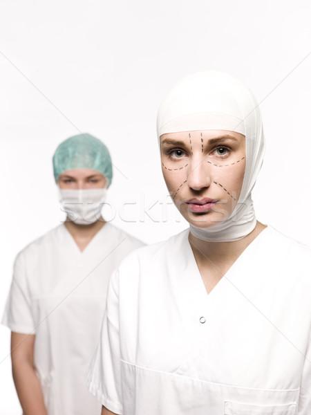 Kobieta przygotowany chirurgia plastyczna pielęgniarki powrót lekarza Zdjęcia stock © gemenacom