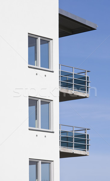 Modern bina mavi gökyüzü mimari daire fotoğrafçılık çimento Stok fotoğraf © gemenacom
