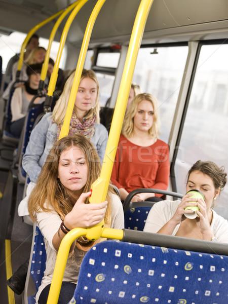 Vrouw bus stoppen koffie vrouwen Stockfoto © gemenacom