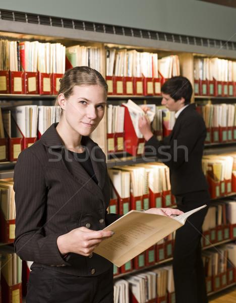 二人の女性 ライブラリ 作業 デスク 読む 学習 ストックフォト © gemenacom