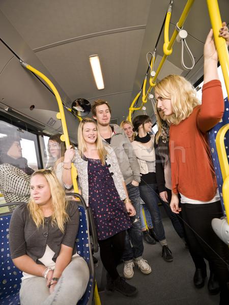 Mensen bus groep mensen vrouwen meisjes tijd Stockfoto © gemenacom
