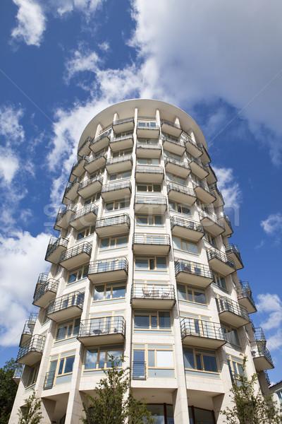 Modern bina mavi gökyüzü inşaat tuğla mimari gayrimenkul Stok fotoğraf © gemenacom