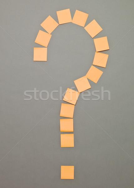 Znak zapytania przyczepny zauważa pomarańczowy szary myślenia Zdjęcia stock © gemenacom