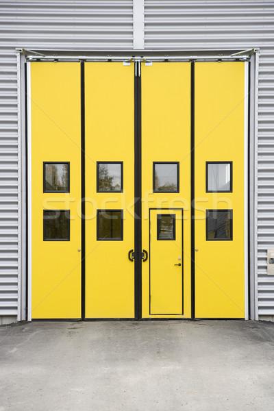 Garage doorway Stock photo © gemenacom