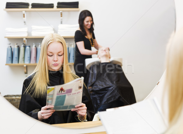 Lány szépségszalon fiatal lány vár szék olvas Stock fotó © gemenacom