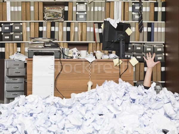 Enterrado mujer de negocios oficina negocios nina traje Foto stock © gemenacom