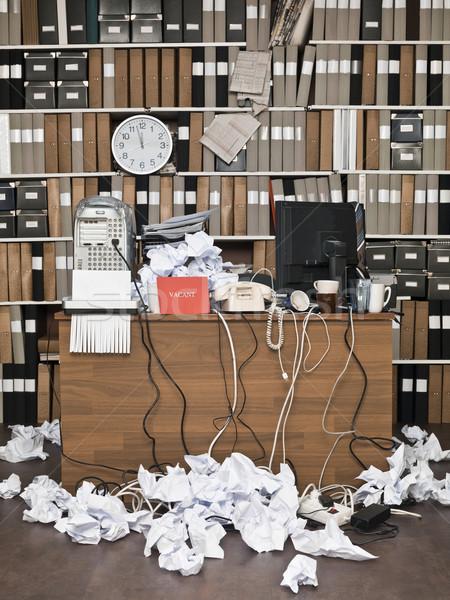 Vacant teken rommelig kantoor klok tabel Stockfoto © gemenacom