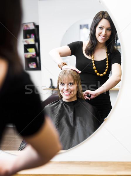 Peluquería rubio mujer sonrisa silla Foto stock © gemenacom