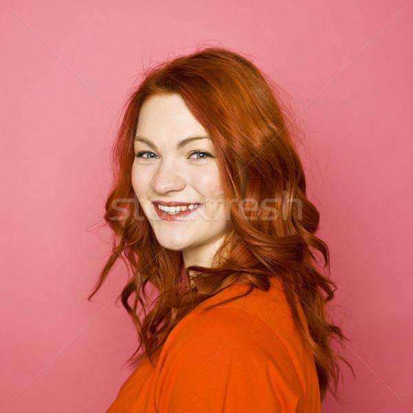 Vrouw roze glimlach gelukkig portret Stockfoto © gemenacom