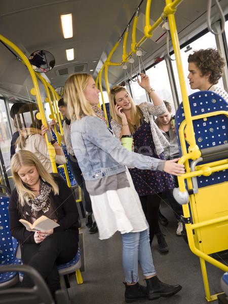 Mensen bus vrouwen tijd communicatie Stockfoto © gemenacom