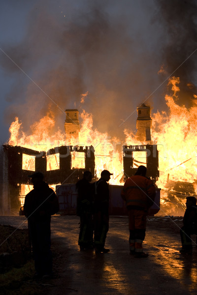 Brand flatgebouw nacht tijd water rook Stockfoto © gemenacom