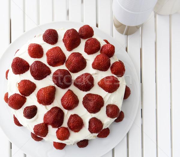 Epertorta magasról fotózva kilátás torta eper desszert Stock fotó © gemenacom