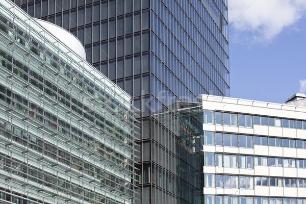 Moderno prédio comercial edifícios de escritórios cidade janela azul Foto stock © gemenacom