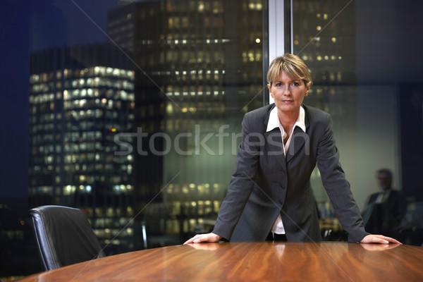 Femme d'affaires supérieurs table boardroom regarder Photo stock © gemphoto