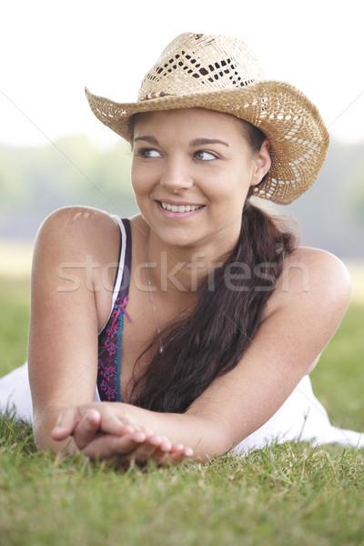 Fille été chapeau jeunes jolie jeune fille Photo stock © gemphoto