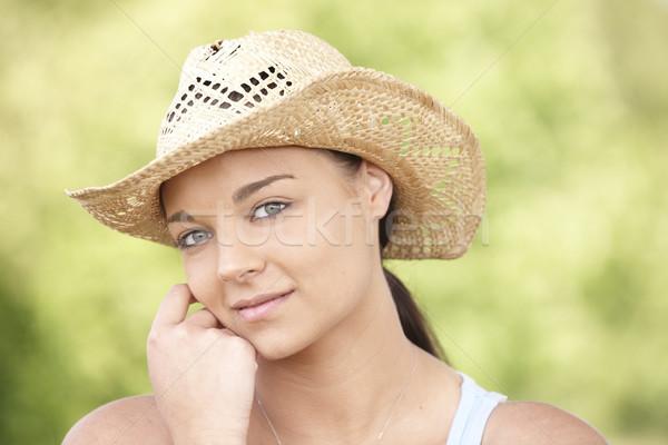 Fille été chapeau jeune femme séance Photo stock © gemphoto