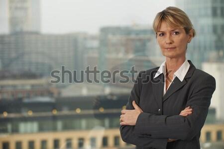 Photo stock: Femme · d'affaires · portrait · supérieurs · exécutif · fenêtre · regarder