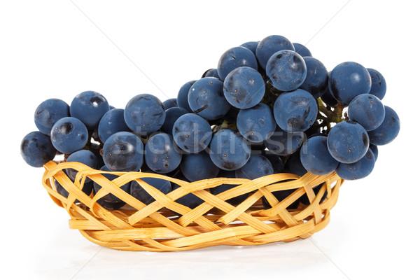 Blauw druiven mand geïsoleerd witte voedsel Stockfoto © GeniusKp
