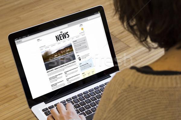 Ordinateur femme nouvelles technologie maison vue Photo stock © georgejmclittle