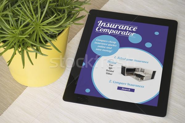 Comprimé assurance table usine tous écran Photo stock © georgejmclittle