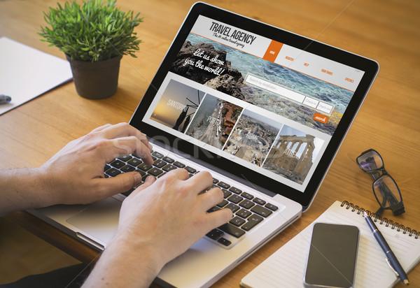 компьютер Desktop бюро путешествий бизнесмен работу Сток-фото © georgejmclittle