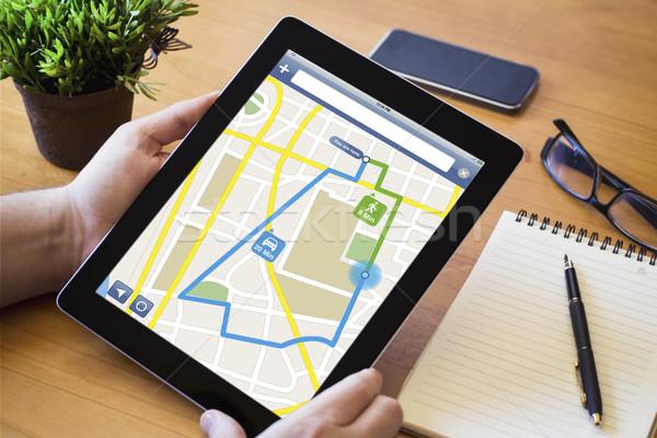 Desktop tablet route planning handen man Stockfoto © georgejmclittle