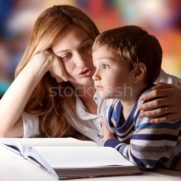 история мало мальчика прослушивании матери Сток-фото © georgemuresan