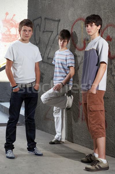 три молодые мальчики Постоянный стены Сток-фото © georgemuresan
