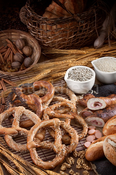 вкусный свежие крендельки группа различный хлебобулочные Сток-фото © georgemuresan