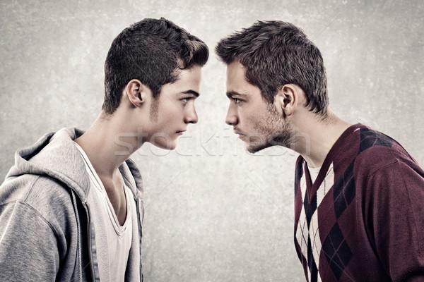 Foto stock: Alterar · hombres · dos · jóvenes · enojado · personas